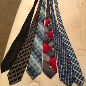 Lot of 6 men's neck ties. No tears or stains.